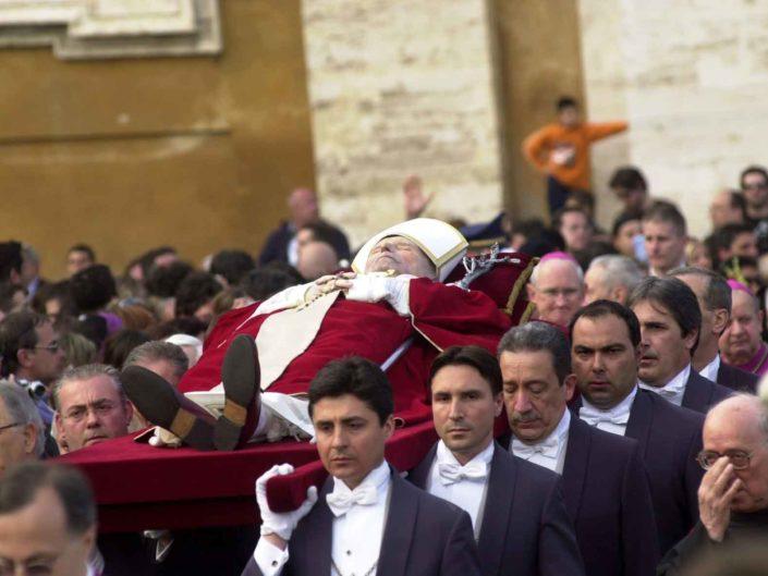 Funerali di Papa Giovanni Paolo II° in Piazza San Pietro. 04 aprile 2005