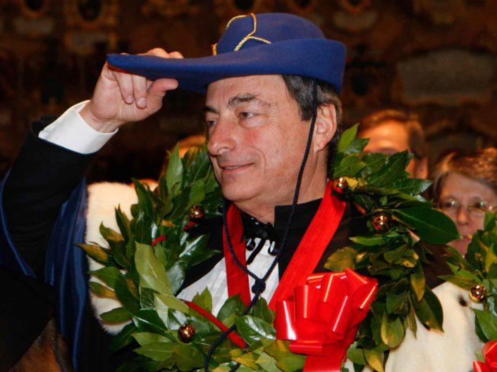 Il Governatore della Banca d'Italia Mario Draghi, riceve una laurea Honoris causa dall'Università di Padova. Dicembre 2009