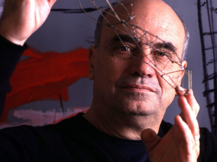 L'architetto Massimiliano Fuksas ritratto nel suo studio. Dicembre 2000