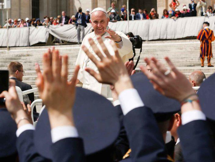 Papa Francesco in piazza San Pietro. Aprile 2016