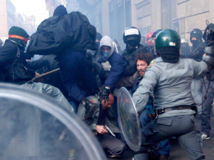 Scontri di piazza del Popolo. Roma 14 dicembre 2010