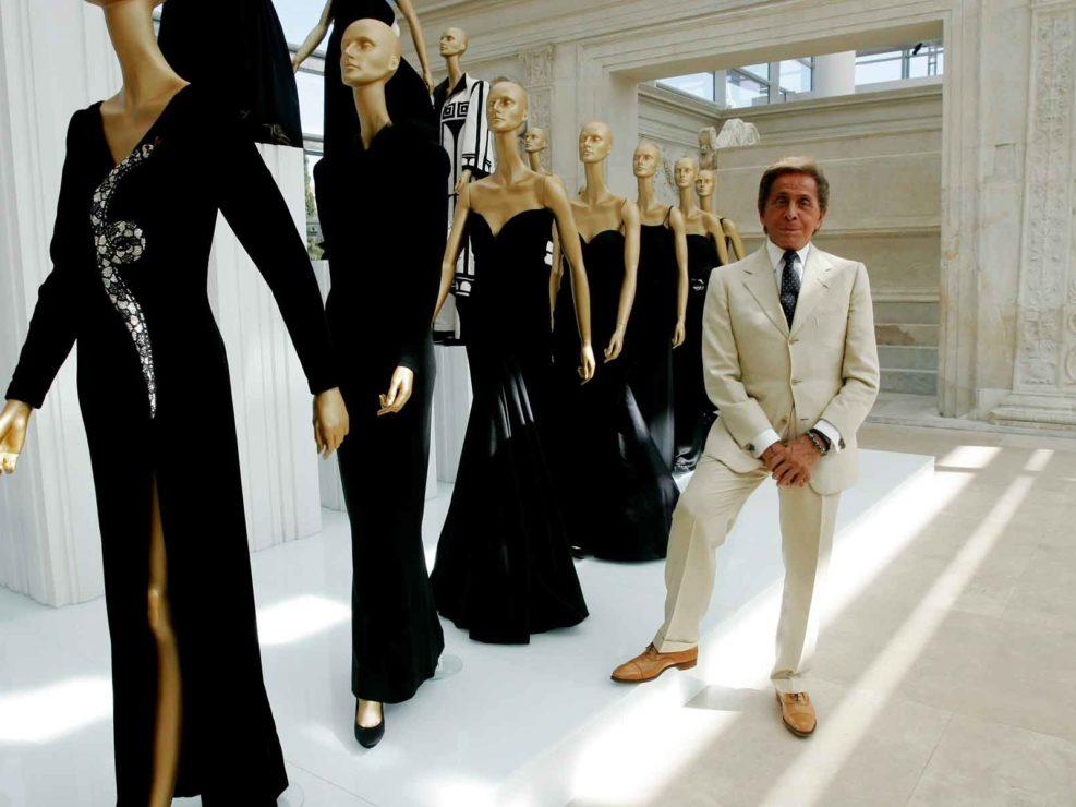 Il designer di moda Valentino, celebra i 45 anni di attività con un'esibizione nel museo dell'Ara Pacis di Roma. Luglio 2007