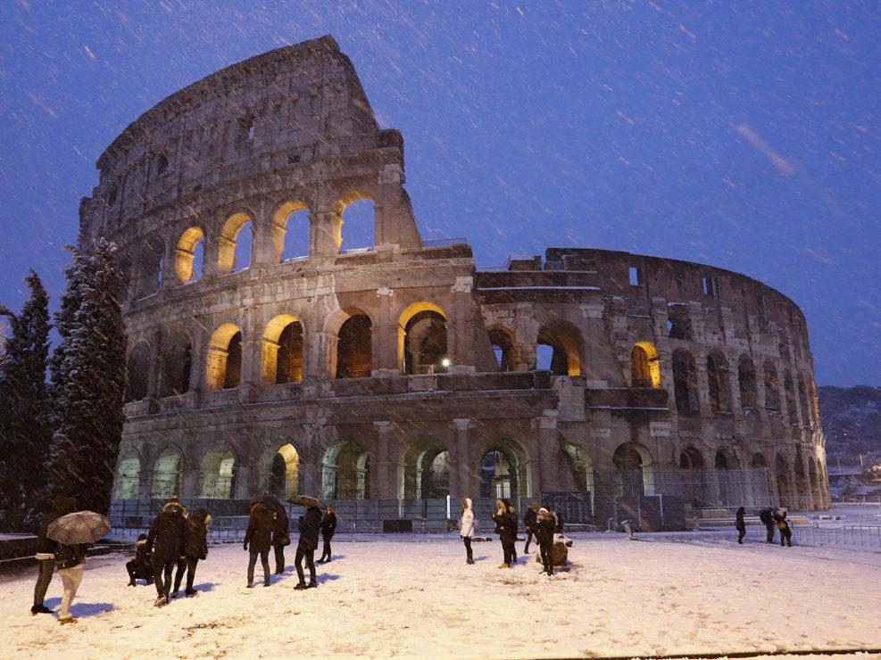 Colosseo sotto la neve. Roma 26 febbraio 2018